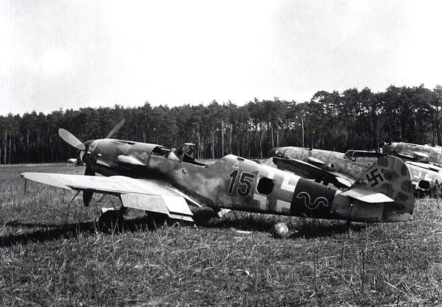 1-Bf-109K4-4.JG53-(B15+~)-WNr-332570-Schleibheim-1944-01