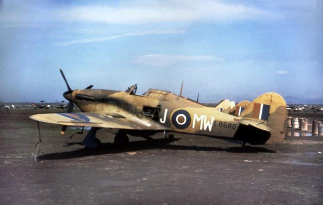 Hawker-Hurricane-MKIIc-RAF-MWJ-LB680-North-Africa-01