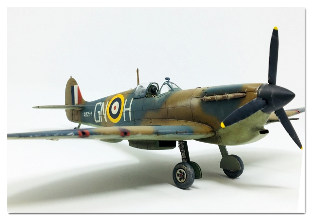 d69fb8c3a9b This Spitfire is a tribute to the brave men of the RAF who defended Malta  against overwhelming odds in 1942.